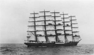 800px-StateLibQld_1_73319_Preussen_(Ship)