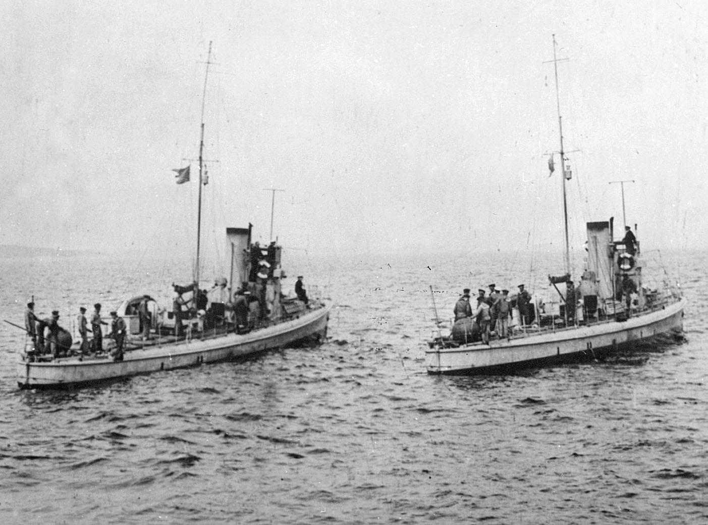 sjösättning av träbåt