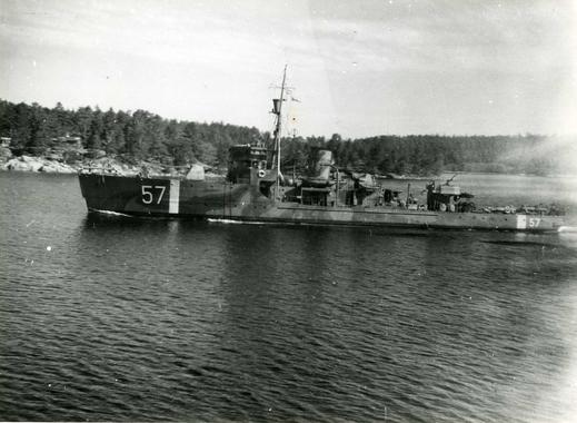 5dd763043785 HMS Sandön (57) var en minsvepare i svenska flottan av Arholma-klass. Hon  tjänstgjorde sommaren 1941 som bevakningsfartyg i samband med  Östbysänkningarna ...